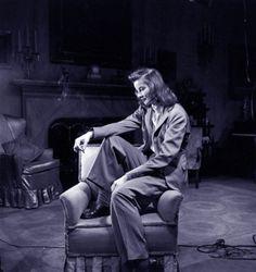 Katherine Hepburn y yo ya tengo listos los bostonianos... ahora el traje