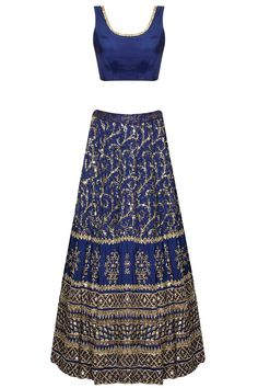 Dark blue sequins embroidered lehenga set by Astha Narang. Red Lehenga, Indian Bridal Lehenga, Indian Bridal Fashion, Lehenga Choli, Indian Attire, Indian Wear, Ethnic Fashion, Asian Fashion, Saris