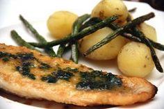 Lueskelin viikonloppuna tuoretta Maalaisunelma Ruoka & juoma -lehteä. Siellä oli juttu Hans Välimäen uusimmasta keittokirjasta Ruokaa Ranskasta Hansin tapaan. En ole vielä kyseistä kirjaa missä… Fish Dishes, Main Dishes, Fish Recipes, Seafood Recipes, My Cookbook, Fish And Seafood, Salmon Burgers, Food And Drink, Healthy Eating