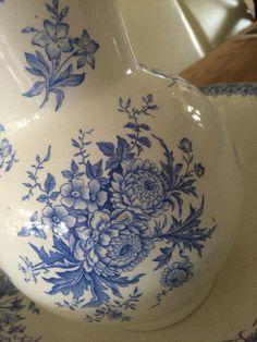 Sociëte ceramique  detail decor dahlia