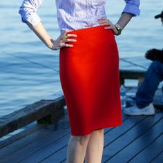 Tomato red fitted skirt H&M tomato red fitted knee length skirt. Stretchy knit material H&M Skirts Midi