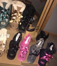 Uggs are not only the most loved but also the most controversial boots on the market. Cute Uggs, Cute Boots, Furry Boots, Shearling Boots, Leather Boots, Ugg Shoes, Nike Shoes, Ugg Style Boots, Looks Halloween