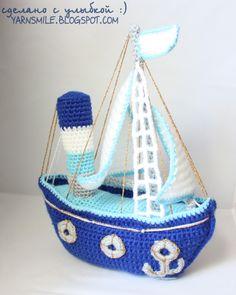 Crochet boat. (Free pattern not in English).