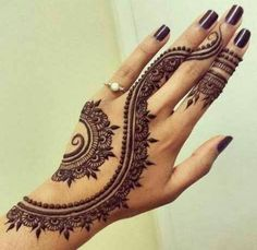 Eid Mehndi-Henna Designs for Girls.Beautiful Mehndi designs for Eid & festivals. Collection of creative & unique mehndi-henna designs for girls this Eid Designs Henna, Beautiful Henna Designs, Beautiful Tattoos, Beautiful Mehndi, Beautiful Hands, Henna Designs On Hands, Simple Henna Designs, Art Designs, Black Mehndi Designs