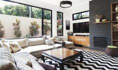 Versáteis e atemporais, os tapetes casam tanto com ambientes modernos quanto com ambientes mais clássicos. Confira as dicas.
