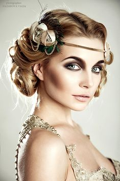 Great Gatsby Inspired Makeup Styles is part of Gatsby makeup - So in case you are invited to a Great Gatsby party or hosting your own, or you just love the elegant style, here are some tips and tricks on how to get the perfect makeup look for this specia… Flapper Headband, Flapper Hair, 1920s Flapper Costume, Flapper Girls, Great Gatsby Party, 1920s Party, Nye Party, Make Up Looks, Flapper Makeup