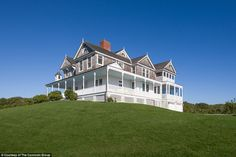 Pristine:Legendary talk show host and television personality Dick Cavett is selling his l...