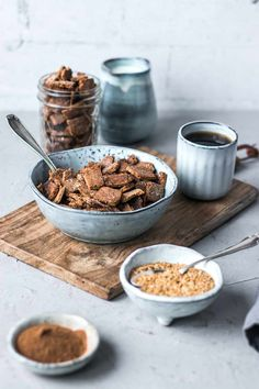 Crunchy breakfast crackers with cinnamon (gluten-free & vegan) - Today I bring you homemade gluten-free and vegan breakfast crackers with cinnamon, which are super - Dog Food Recipes, Snack Recipes, Snacks, Foods For Abs, Vegan Breakfast Recipes, Winter Food, Easy Cooking, Diy Food, Lunches