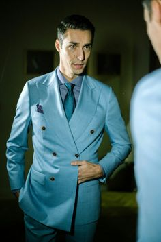 Artizan bespoke suiting: no skinny, no loose, no trends, no traditions - just style & elegance #morethanasuit @artizanimage