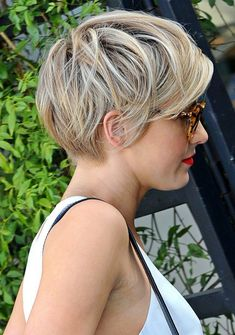 42 Best Short Bob Cuts for Get Your Haircut Inspiration Today! 42 Best Short Bob Cuts for Get Your Haircut Inspiration Best Short Bob Cuts for Get Your Haircut Inspiration Today! Pixie Haircut For Thick Hair, Pixie Bob Haircut, Haircut For Older Women, Choppy Bob Hairstyles, Short Pixie Haircuts, Cool Hairstyles, Bob Haircuts, Pixie To Bob, Thick Hair Haircuts