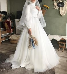 Wedding Dress Bustle, Plain Wedding Dress, Muslimah Wedding Dress, Muslim Prom Dress, Muslim Wedding Dresses, Bridal Wedding Dresses, Hijab Dress Party, Fancy Dress Design, Prom Dresses Long With Sleeves