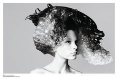 This Hat is featured in the latest issue of V Magazine. It was designed by Philip Treacy for Alexander McQueen and is seriously one strange and beautiful piece of art. David Simms, Sims, Isabella Blow, Popular Photography, V Magazine, Fashion Photography Inspiration, Studio Portraits, Headdress, Hairdresser
