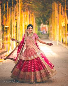 When you don't just love the twirl but the lehenga too. #twirl #wedding #lehenga #indian #bride #outfit #pink #double #dupatta #gold #wedzo #inspiration