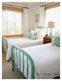 flea market trixie: Beach Cottage Twin Bedroom - Tips Home Decor Twin Bedroom, Beach House Bedroom, Beach Cottage Decor, Bedroom Interior, Cottage Bedroom, Cottage Decor, Home Decor, Interior Design Bedroom, Home Bedroom