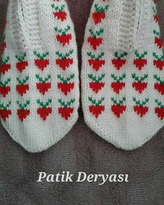 Fair Isle Knitting, Knitting Socks, Knitted Hats, Baby Booties, Baby Shoes, Wool Socks, Designer Socks, Elsa, Diy And Crafts
