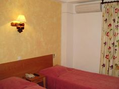 Quartos económicos no Algarve Em férias ou trabalho, temos quartos económicos para alugar, em Boliqueime (Algarve). Ficamos a 6km de Vilamoura e a 10km de Albufeira. Preços DESDE 10.00 euros/ Algarve, Portugal, Quartos