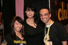 It's Tera Patrick's birthday today! Be sure you wish one of the nicest and classiest women to ever work in the industry a happy bday. This pic, by my good friend and photog BAS photog, is from Exxxotica AC and also me and my friend and camera-woman Kristin.  For other pics from that day: http://themastergio.blogspot.com/2013/06/tera-patrick-evan-stone-and-various.html