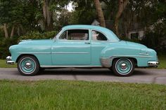 1952 Chevrolet Deluxe Sport Coupe, Straight Six and Three-On-The Tree Vintage Cars, Antique Cars, Vintage Auto, Hot Rods, Muscle Cars, Classic Car Restoration, Gm Car, Classy Cars, Sports Sedan