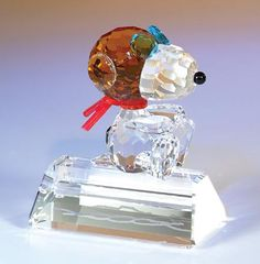 Snoopy Flying Ace Fine Crystal Figurine by Crystal World Swarovski Crystal Figurines, Swarovski Crystals, Cut Glass, Glass Art, Charlie Brown Peanuts, Peanuts Gang, Flint Glass, Glass Figurines, Snoopy And Woodstock