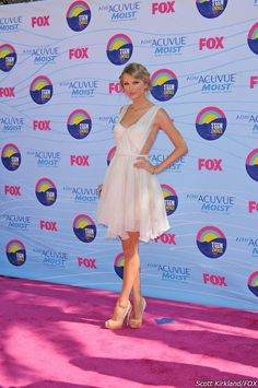 Taylor Swift at the Fox Teen Choice Awards