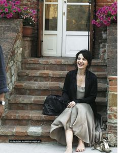 juliette binoche simple and fabulous dress a little oversize jacket and a smile - perfect