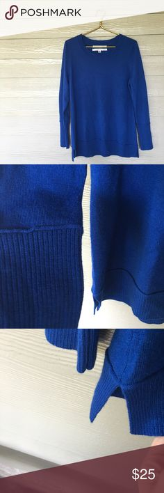 Max Studio Royal Coziest Sweater. 100% wool. Is a nice oversized fit on a medium-large, but will absolutely fit xl with some room. Gorgeous royal blue colour with vented sides. Max Studio Sweaters