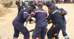 Serviço de Bombeiros remove corpo de mulher morta junto da linha do Caminho de Ferro de Luanda http://angorussia.com/noticias/angola-noticias/servico-de-bombeiros-remove-corpo-de-mulher-morta-junto-da-linha-do-caminho-de-ferro-de-luanda/