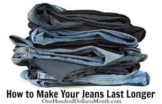 When washing your jeans, turn them inside out and marinate them in vinegar before washing. Fill sink up with water. Add a cup of distilled white vinegar. Let soak for a hour. Especially important for dark jeans. To keep from fading . Diy Cleaning Products, Cleaning Hacks, Distilled White Vinegar, Laundry Hacks, Money Saving Tips, Money Savers, Saving Ideas, Long A, Keep It Cleaner