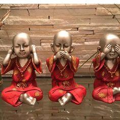 Trio de budas não vejo, não falo, não ouço. Cada um tem 16cm de altura - C10FED Buda Zen, Ganesh Wallpaper, Buddha Decor, Little Buddha, Elephant Figurines, Asian Home Decor, Tribal Art, Ganesha, Art Inspo