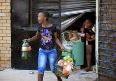GOSSIP, GISTS, EVERYTHING UNLIMITED: South Africans Photographed Stealing from Attacked...