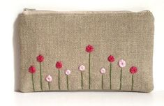 Rose Garden Burlap Hand Embroidered Zipper Clutch in Pink Fuchsia - Peony Spring… Embroidery On Clothes, Embroidery Bags, Hand Embroidery Designs, Cross Stitch Embroidery, Embroidery Patterns, Sewing Patterns, Burlap Bags, Hessian, Fabric Bags