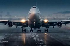 BOEING 747-400 ROTATE