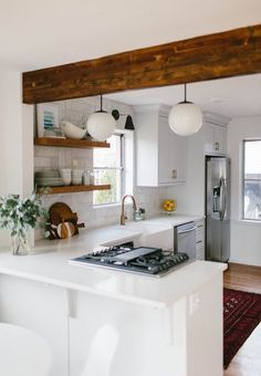 Don't feel limited by a small kitchen space. These 50 styles for smaller kitchen areas to motivate you to maximize your own tiny kitchen Kitchen 50 Terrific Small and Simple Kitchen Design Ideas - HomeBestIdea New Kitchen, Kitchen Dining, Kitchen Decor, Warm Kitchen, Rustic Kitchen, Kitchen Small, Dining Room, Design Kitchen, Awesome Kitchen