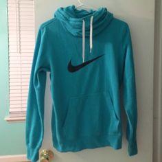 d3a1ecd8569ff Nike sweatshirt Perfect condition women s medium Nike Other Desporto