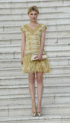 CASUAL COUTURE El vestido ideal asegura un diez en la alfombra roja. Aquí con un Chanel en color pastel de SS2011.