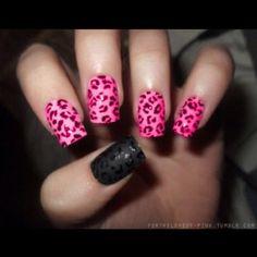 Cheetah nails pink/black