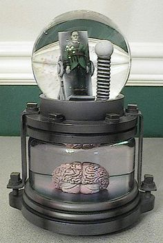 Frankenstein Musical Double Snow Globes Universal Monsters by Westland Giftware, http://www.amazon.com/dp/B001AMWW1M/ref=cm_sw_r_pi_dp_B0Glrb1GYFBCT