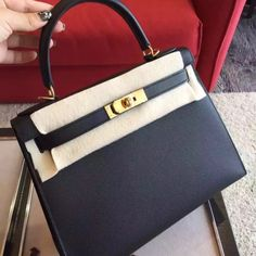 Shipping worldwide,comments not reply ,please contact us ☎Wechat:luxury_family02, ☎Whatsapp:+86 18271907141 Hermes,Chanel,Dior,Celine,Prada,Lv,Balenciaga,Ferragamo,Versace,Fendi,Cartier,Bvlgari,Tiffany,Givenchy,Gucci,Blancpain,Rolex,Bags,Shoes,Burberry,Tods,Ugg,Rogervivier,Volention,Macqueen,Miumiu,Loewe,Ysl,Chloe