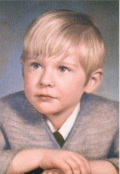 "I was born ""Kurt"" Donald Cobain on February *Musician/Singer Kurt Cobain, Donald Cobain, Celebrities Then And Now, Young Celebrities, Celebrity Kids, Celebrity Pictures, Nirvana, Childhood Photos, Adolescents"