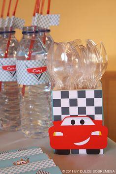 Agua Personalizada e porta talheres do Mcqueen