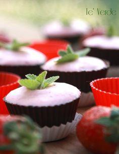 Cestini di Cioccolato Fondente alle Fragole