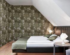 Unsere neurenovierten Zimmer laden zum Entspannen ein ... #regionbadradkersburg Das Hotel, Interior Design, Bed, Furniture, Home Decor, Remodels, Contemporary Design, Interior Designing, Nest Design