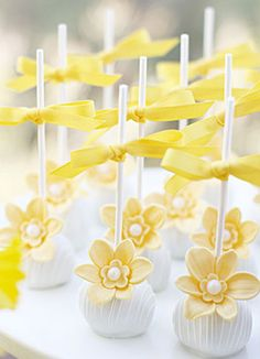 Pretty daffodil cake pops.