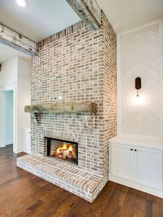 33 beautiful farmhouse fireplace decor ideas and designs - fireplace decor . - 33 gorgeous farmhouse fireplace decor ideas and designs - Brick Fireplace Makeover, Farmhouse Fireplace, Home Fireplace, Living Room With Fireplace, Fireplace Design, Fireplace Ideas, White Wash Brick Fireplace, Farmhouse Decor, Modern Farmhouse