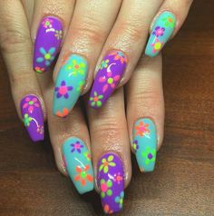 Nail Art Designs In Every Color And Style – Your Beautiful Nails Flower Nail Designs, Simple Nail Art Designs, Best Nail Art Designs, Floral Designs, Nail Swag, Gorgeous Nails, Pretty Nails, Finger Nail Art, Wedding Nails Design