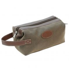 Danielle Creations Berkeley Wash Bag for Men. A simple zip top style in a  classic leather effect finish. 9fa220ff30f94
