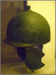 Montefortino helmet of Villa Giulia.