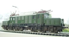 Would love to use this in my film. Märklin German crocodile  E 94.
