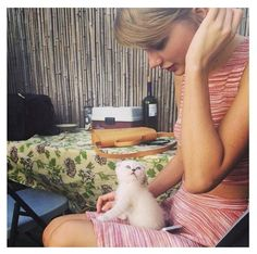 Taylor Swift with Meredith, her Scottish Gold . . .