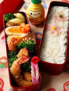 Ebi Fly (Japanese Panko-Fried Shrimp) Bento Lunch by warabi エビフライ弁当